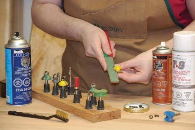 how to Maintain a Wood Router